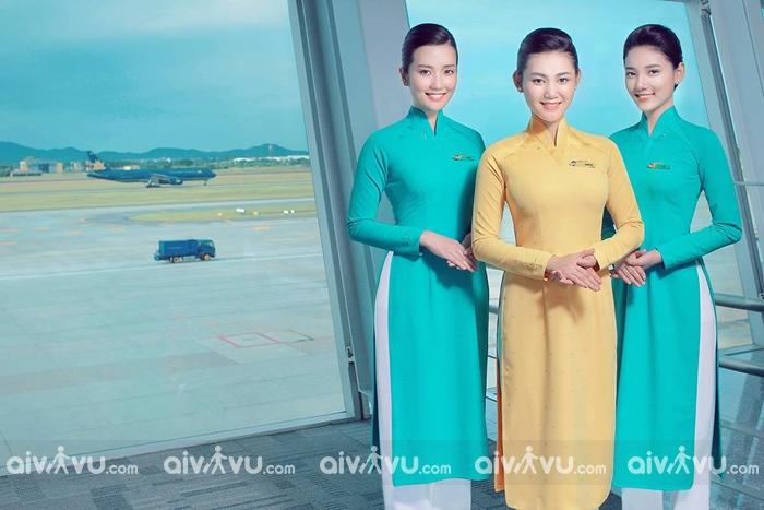 Đồng phục của Vietnam Airlines qua các thời kỳ