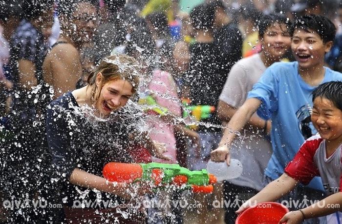 Du lịch Chiang Mai đừng quên trải nghiệm lễ hội té nước lớn nhất trong năm