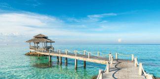 Bãi biển Nai Harn - một trong những bãi biển đẹp nhất Phuket