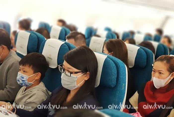 Chia sẻ kinh nghiệm đi máy bay an toàn giữa mùa dịch Covid-19