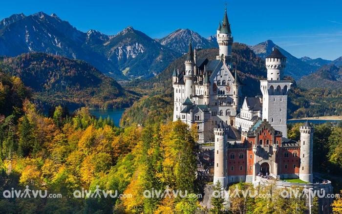 Lâu đài Neuschwanstein như trong cổ tích
