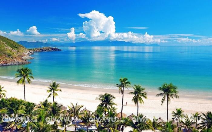 Nha Trang – Một trong những bãi biển đẹp nhất Việt Nam
