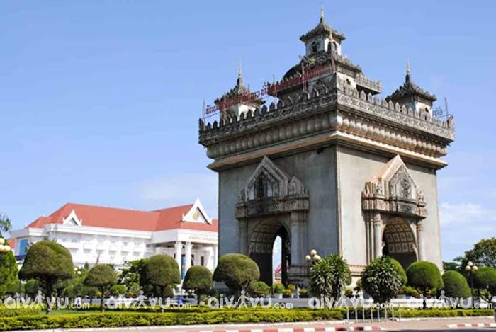 Khải Hoàn Môn Patuxay hùng vĩ tại thủ đô Viêng Chăn
