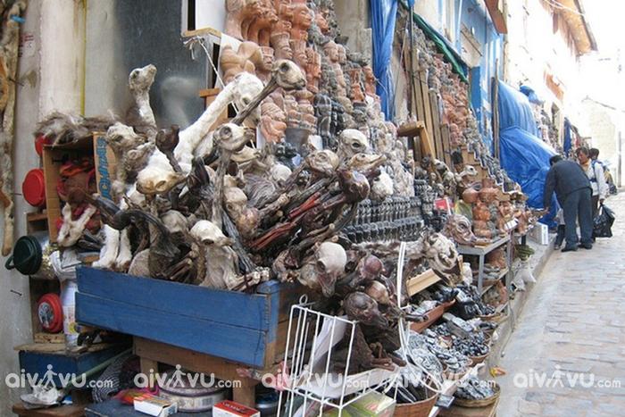 Những mặt hàng nổi tiếng trong chợ phù thủy Bolivia