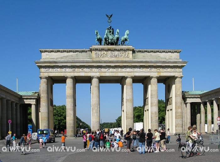 Cổng Brandenburg – Một trong những thắng cảnh đẹp nhất ở Đức