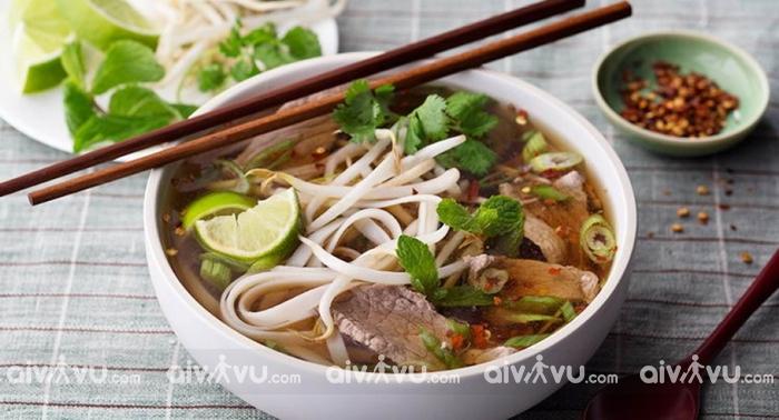 Phở bò - Một trong những món ăn sáng không nên bỏ lỡ khi tới Hà Nội