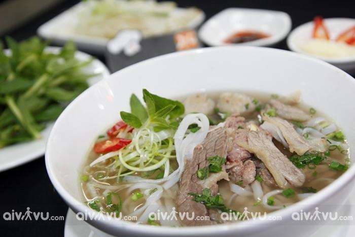 Phở - món ăn Việt Nam được đánh giá cao trong mắt du khách quốc tế
