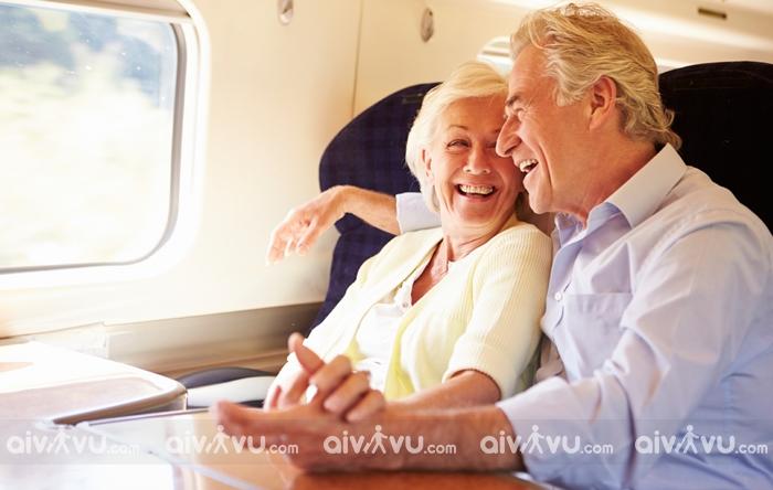 Quy định đi máy bay dành cho người già/ người cao tuổi Eva Air