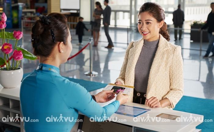 Đổi vé máy bay với hành trình nội địa Vietnam Airlines