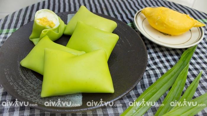 Bánh sầu riêng một trong những món bánh nổi tiếng của người Singapore