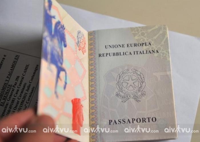 Tờ khai xin visa Italia là gì?