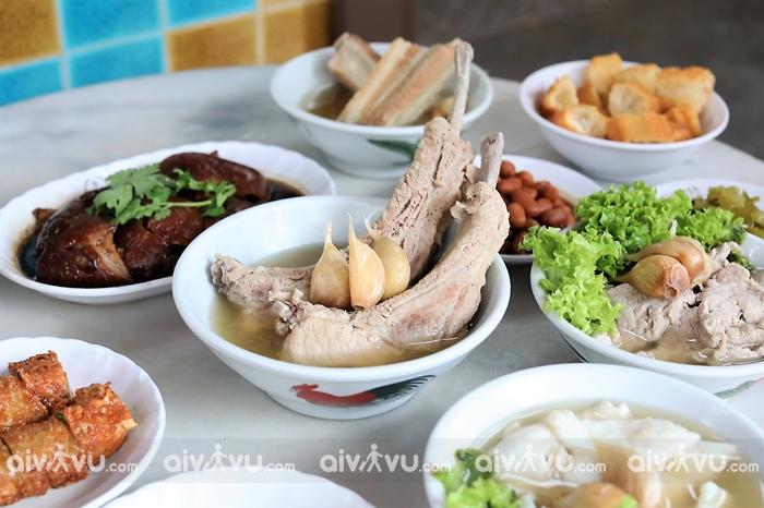 Bak Kut Teh (Trà xương sườn/ soup xương sườn heo)