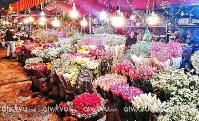 Dạo chợ hoa Quảng Bá