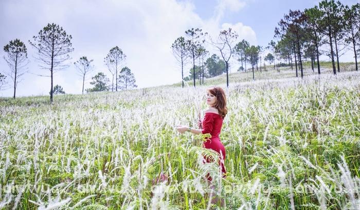 Du lịch Đà Nẵng tháng 10 check in quanh bờ hồ Xanh tại núi Sơn Trà