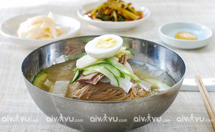 Naengmyeon ( mì lạnh)
