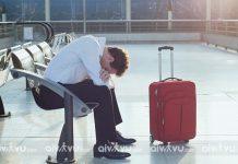 Chợp mắt trong lúc chờ đợi – điều không nên làm tại sân bay