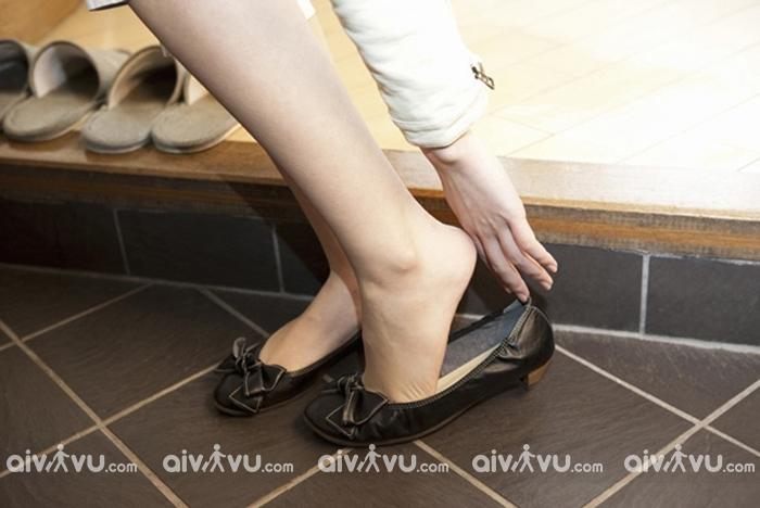 Đi giày vào trong nhà - điều cấm kỵ ở Hàn Quốc