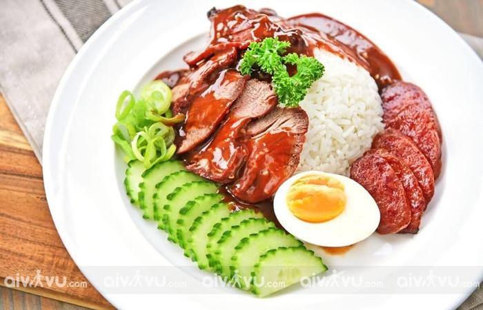 Kao Moo Dang – Món ăn đêm hấp dẫn
