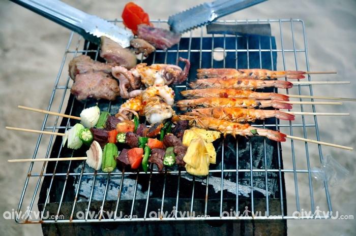 Tiệc BBQ trên biển hấp dẫn
