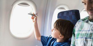 Trẻ em đi máy bay Asiana Airlines cần giấy tờ gì?
