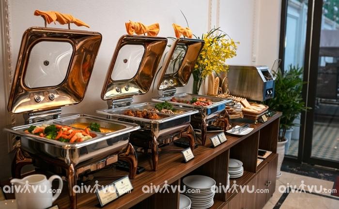Thưởng thức các món ăn tại nhà hàng Tam Coc Holiday