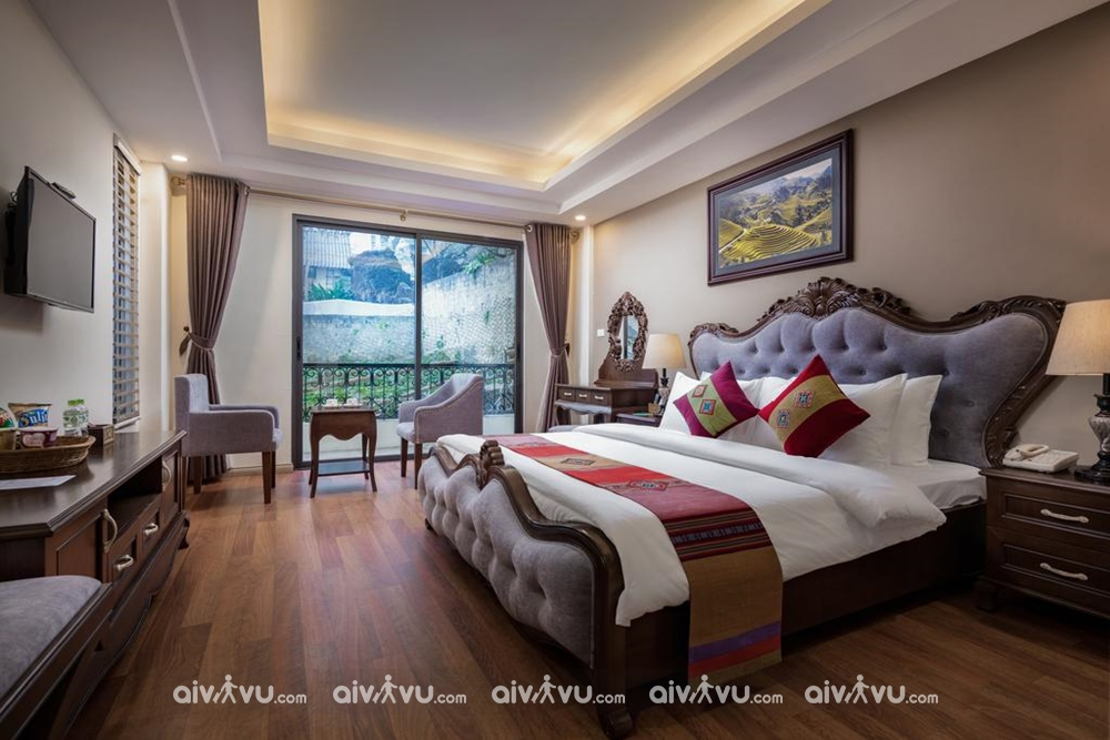 Nghỉ dưỡng tại The View Hotel hạng phòng Superior.