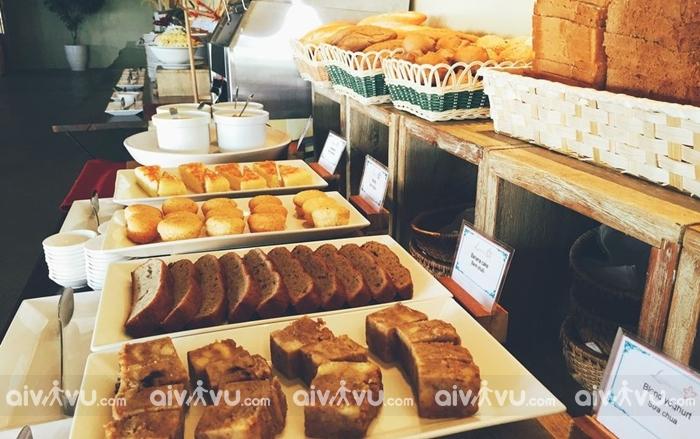 Bữa sáng tại Lahana Resort Phú Quốc