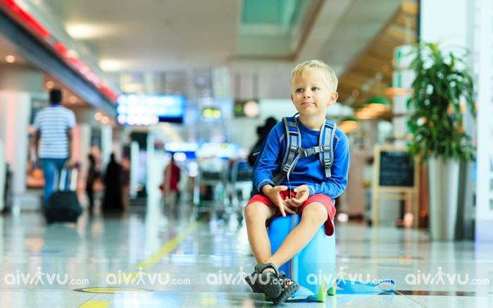 Dịch vụ trẻ em không có người lớn đi kèm Singapore Airlines