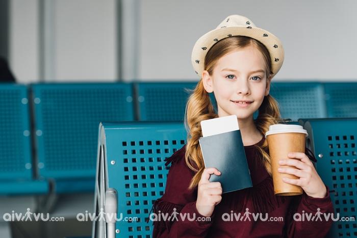 Trẻ em đi máy bay Singapore Airlines cần giấy tờ gì?