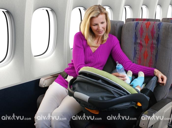 Quy định hành lý xách tay đối với hành khách đi cùng trẻ em