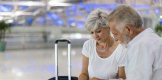 Người già đi máy bay Qatar Airways cần giấy tờ gì?