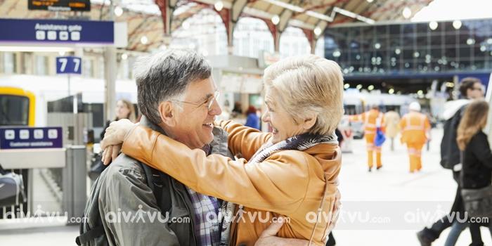 Người già trên bao nhiêu tuổi không được đi máy bay?