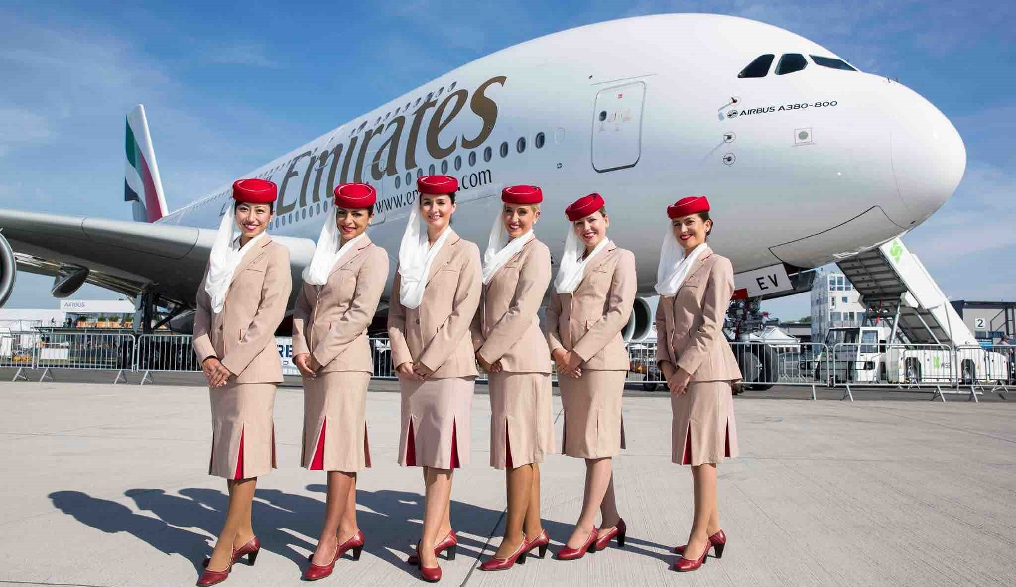Phí đổi vé máy bay Emirates bao nhiêu?