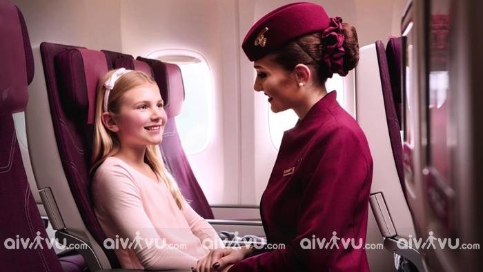 Quy định cho trẻ em đi máy bay một mình của Qatar Airways