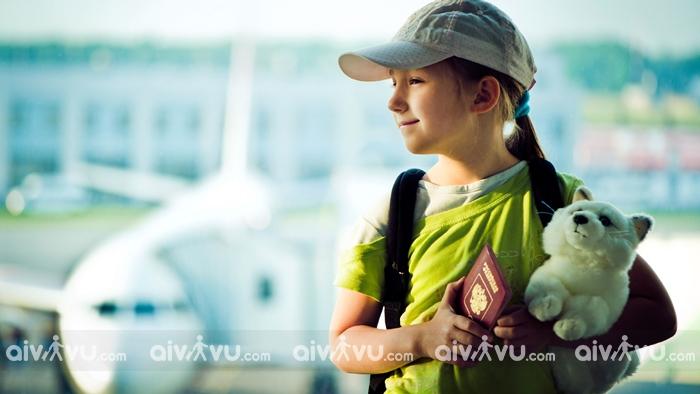 Trẻ em đi máy bay Etihad Airways cần giấy tờ gì?