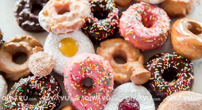 Doughnuts món bánh biểu tượng Santa Ana