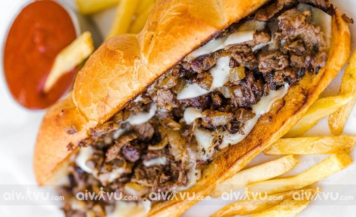 Philly Cheesesteak món ăn mang tính biểu tượng của Philadelphia