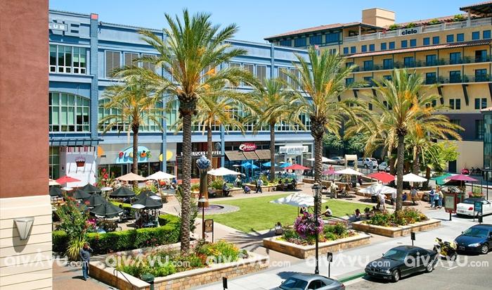 Santana Row khu mua sắm của các thương hiệu xa xỉ