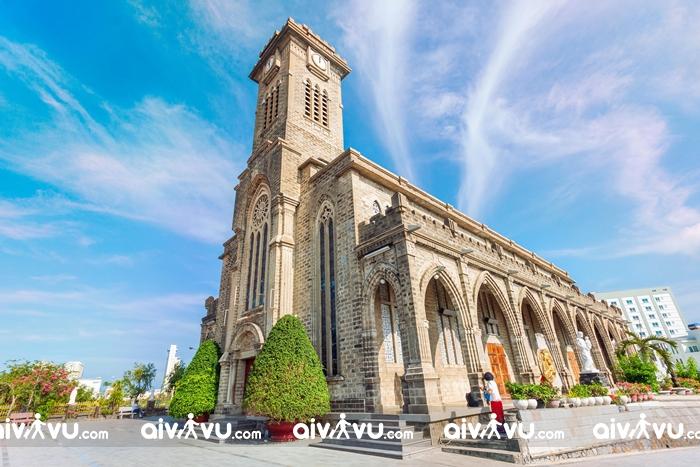 Nhà thờ đá Nha Trang check in giáng sinh lung linh