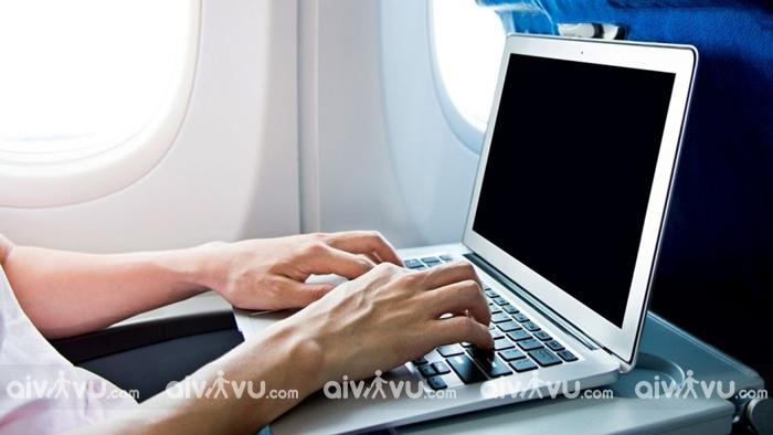 Các vật dụng được phép mang lên máy bay trong hành lý xách tay