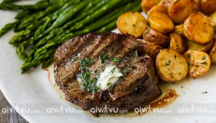 Steak Tips món bít tết nổi tiếng tại Massachusetts
