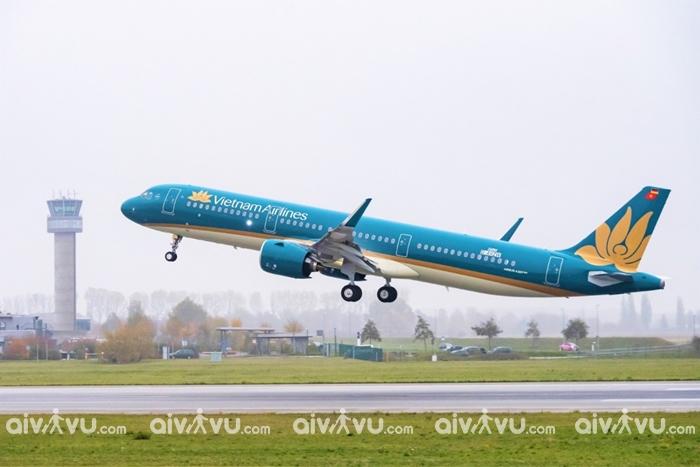 Nhập cảnh vào Việt Nam trên các chuyến bay thương mại có được không?