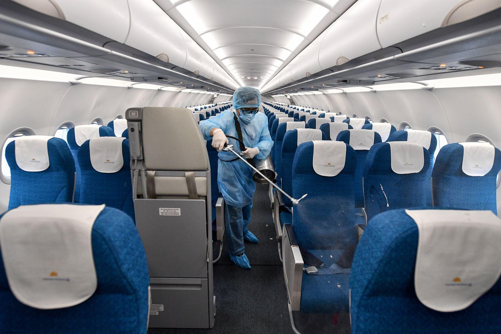 Vietnam Airlines hỗ trợ hành khách bị ảnh hưởng do cách ly Covid-19