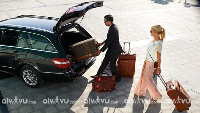 Dịch vụ xe đưa đón sân bay Nội Bài của Aivivu đúng giờ chuyên nghiệp