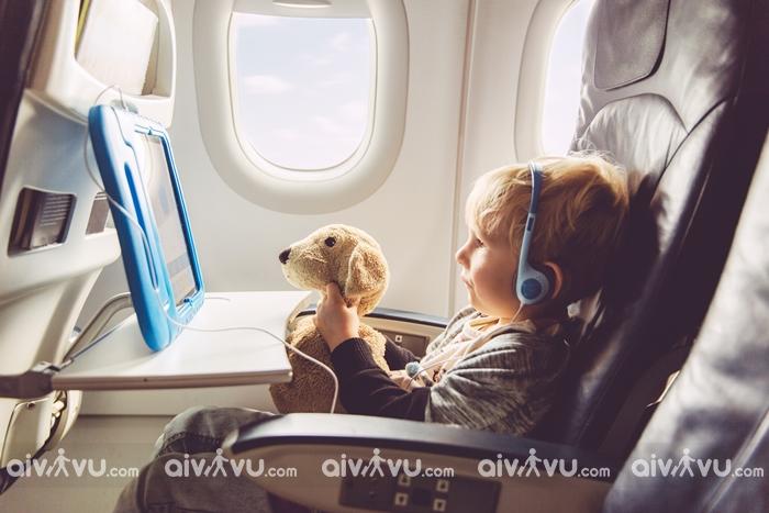 Dịch vụ trẻ em đi một mình của United Airlines
