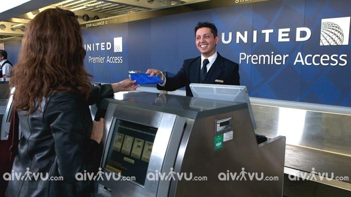 Hướng dẫn làm thủ tục lên máy bay United Airlines mới nhất