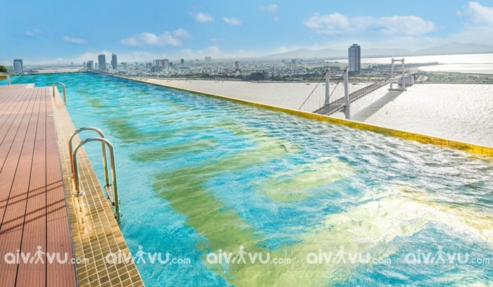 Miễn phí sử dụng hồ bơi ngoài trời tại tầng thượng