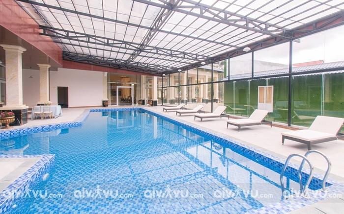 Bể bơi miễn phí tại Ladalat