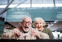 Người già đi máy bay American Airlines cần giấy tờ gì?