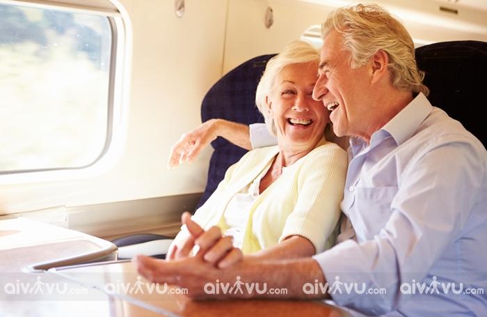 Trên 80 tuổi có được đi máy bay không?